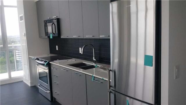 Condo Apartment at 9471 Yonge St, Unit Ph 10, Richmond Hill, Ontario. Image 4