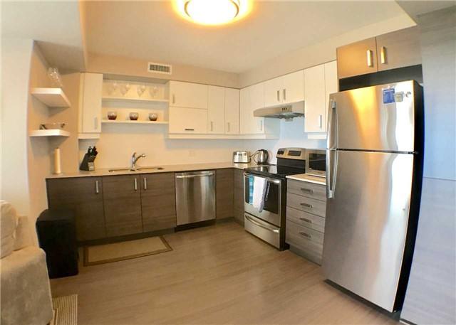 Condo Apartment at 8200 Birchmount Rd, Unit 723, Markham, Ontario. Image 3