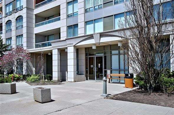 Condo Apartment at 29 Northern Heights Dr, Unit 707, Richmond Hill, Ontario. Image 12