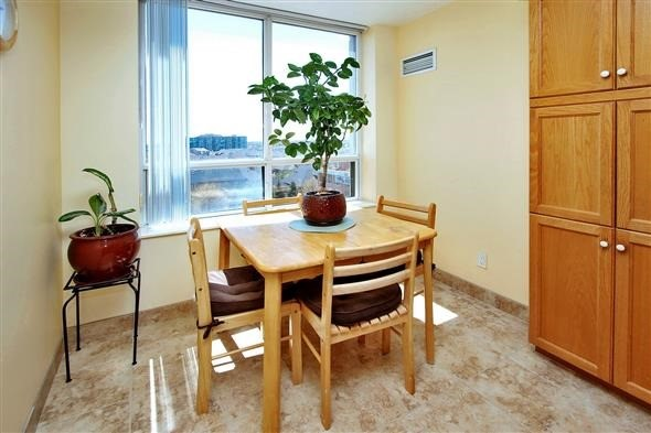 Condo Apartment at 29 Northern Heights Dr, Unit 707, Richmond Hill, Ontario. Image 20