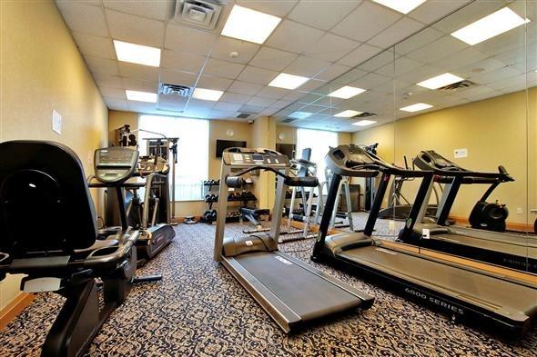 Condo Apartment at 29 Northern Heights Dr, Unit 707, Richmond Hill, Ontario. Image 8