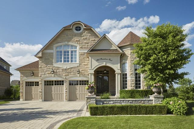 Detached at 125 Rainbow's End, Vaughan, Ontario. Image 1