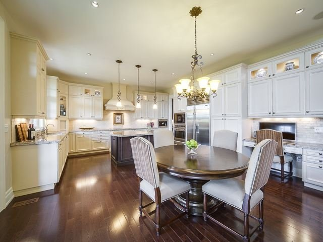 Detached at 125 Rainbow's End, Vaughan, Ontario. Image 16