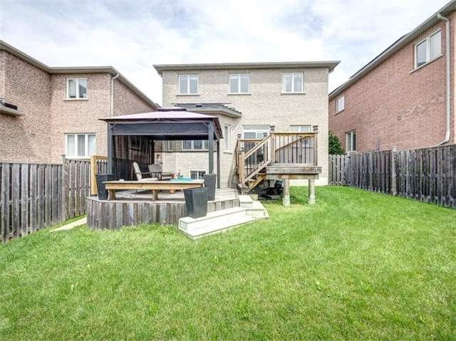 Detached at 21 Batchford Cres, Markham, Ontario. Image 9