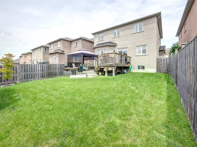 Detached at 21 Batchford Cres, Markham, Ontario. Image 11