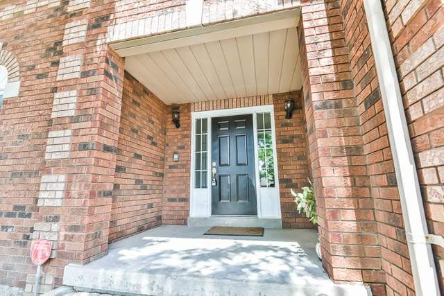 Detached at 2 Clarendon Dr, Richmond Hill, Ontario. Image 12