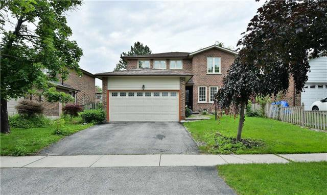 Detached at 295 Plymouth Tr, Newmarket, Ontario. Image 1