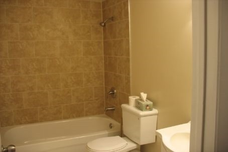 Condo Townhouse at 101 Eighth Ave, Unit 60, New Tecumseth, Ontario. Image 5