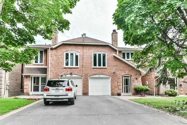 Semi-detached at 12 Foxglove Crt, Markham, Ontario. Image 1