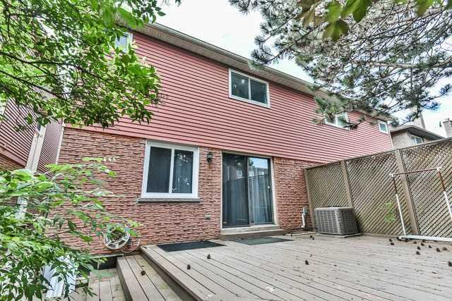 Semi-detached at 12 Foxglove Crt, Markham, Ontario. Image 13