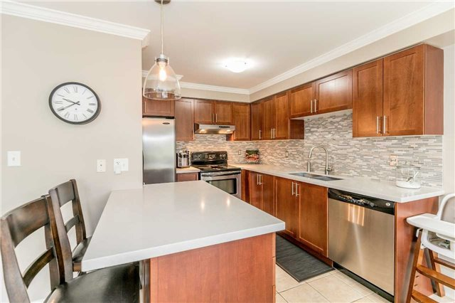 Semi-detached at 37 Harry Sanders Ave, Whitchurch-Stouffville, Ontario. Image 17