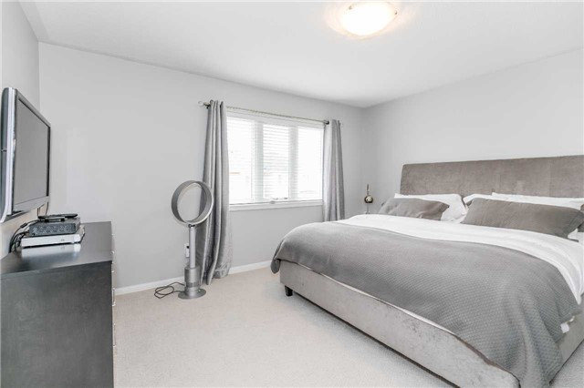 Semi-detached at 37 Harry Sanders Ave, Whitchurch-Stouffville, Ontario. Image 4