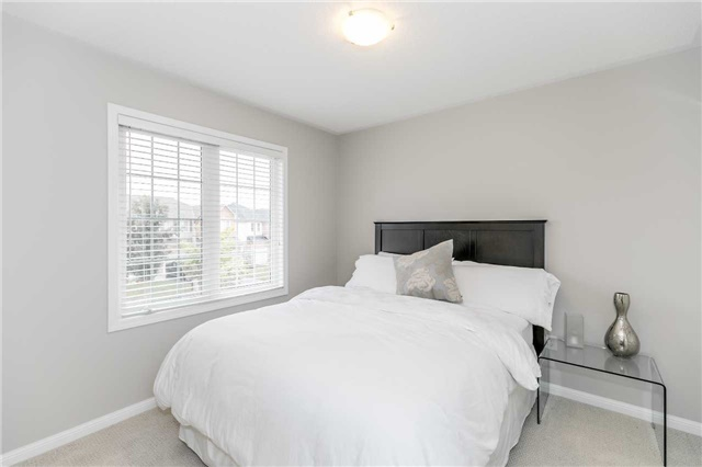 Semi-detached at 37 Harry Sanders Ave, Whitchurch-Stouffville, Ontario. Image 5