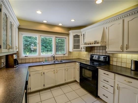 Detached at 4834 Cherry St, Whitchurch-Stouffville, Ontario. Image 15