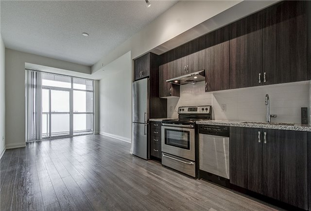 Condo Apartment at 8763 Bayview Ave, Unit 620, Richmond Hill, Ontario. Image 19