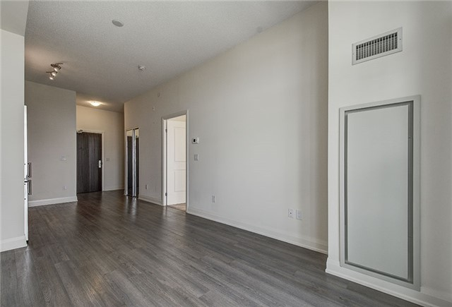 Condo Apartment at 8763 Bayview Ave, Unit 620, Richmond Hill, Ontario. Image 20