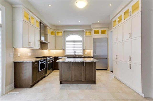 Detached at 77 Settlement Cres, Richmond Hill, Ontario. Image 17