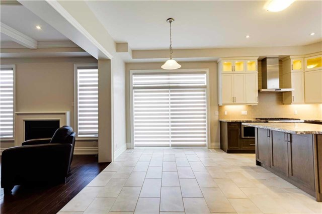 Detached at 77 Settlement Cres, Richmond Hill, Ontario. Image 18