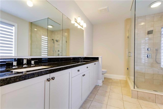 Detached at 77 Settlement Cres, Richmond Hill, Ontario. Image 5