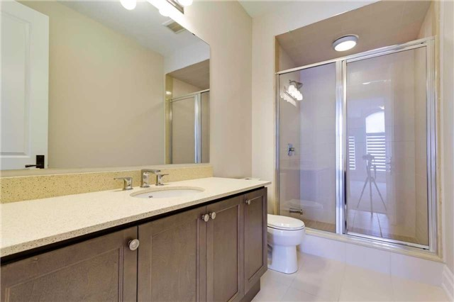 Detached at 77 Settlement Cres, Richmond Hill, Ontario. Image 10