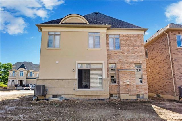 Detached at 77 Settlement Cres, Richmond Hill, Ontario. Image 13