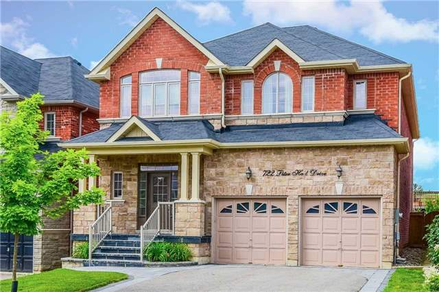 Detached at 722 Peter Hall Dr, Newmarket, Ontario. Image 1