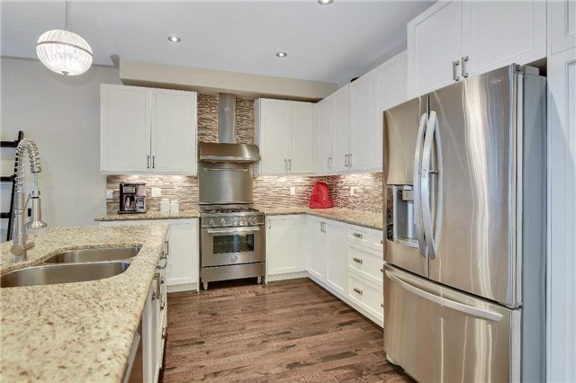 Detached at 722 Peter Hall Dr, Newmarket, Ontario. Image 19