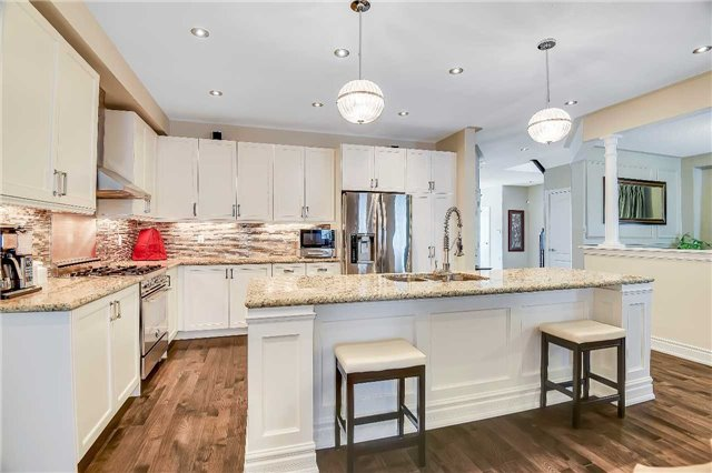 Detached at 722 Peter Hall Dr, Newmarket, Ontario. Image 20