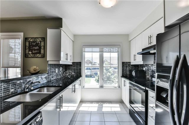 Townhouse at 55 Miltrose Cres, Whitchurch-Stouffville, Ontario. Image 16