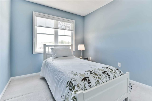 Townhouse at 55 Miltrose Cres, Whitchurch-Stouffville, Ontario. Image 5