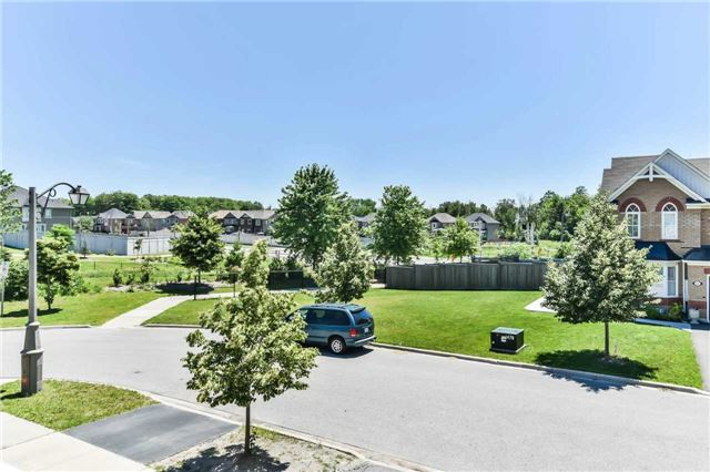 Townhouse at 55 Miltrose Cres, Whitchurch-Stouffville, Ontario. Image 8