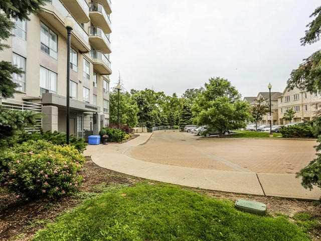 Condo Apartment at 399 South Park Rd, Unit 305, Markham, Ontario. Image 10