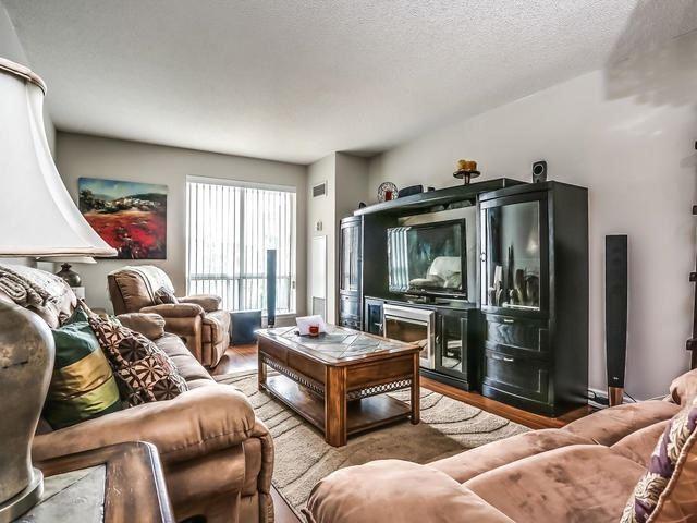 Condo Apartment at 399 South Park Rd, Unit 305, Markham, Ontario. Image 15