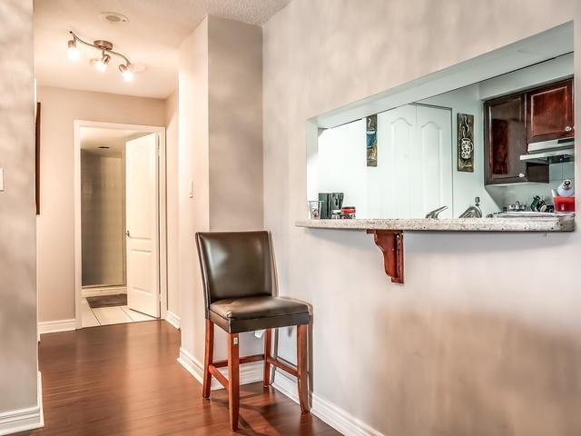Condo Apartment at 399 South Park Rd, Unit 305, Markham, Ontario. Image 17