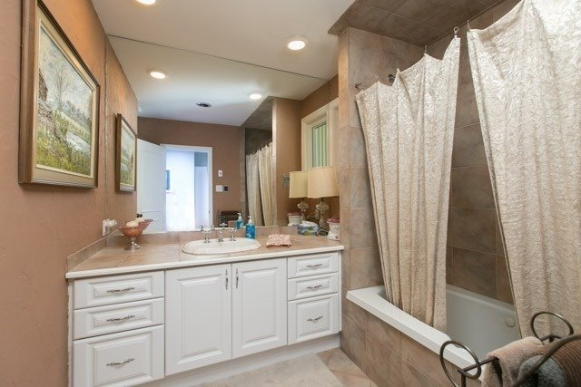 Detached at 4066 19th Ave, Markham, Ontario. Image 19