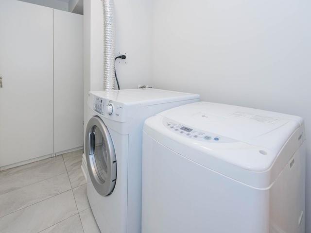 Condo Apartment at 30 Harding Blvd W, Unit 208, Richmond Hill, Ontario. Image 18