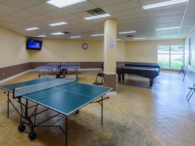 Condo Apartment at 30 Harding Blvd W, Unit 208, Richmond Hill, Ontario. Image 9