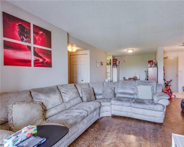Condo Apartment at 2100 John St, Unit 315, Markham, Ontario. Image 13