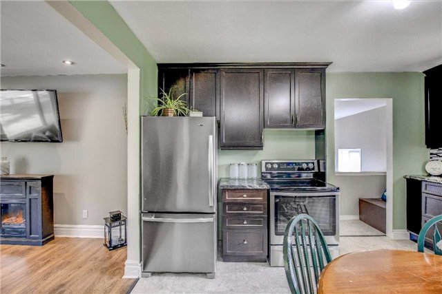 Detached at 21372 Highway 48, East Gwillimbury, Ontario. Image 3