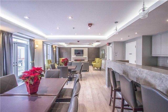 Condo Apartment at 28 Prince Regent St W, Unit Ph-40, Markham, Ontario. Image 7