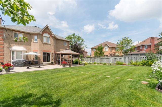 Detached at 161 Avro Rd, Vaughan, Ontario. Image 9