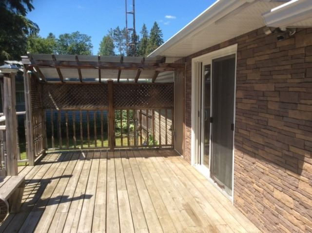 Detached at 21 York St, East Gwillimbury, Ontario. Image 2