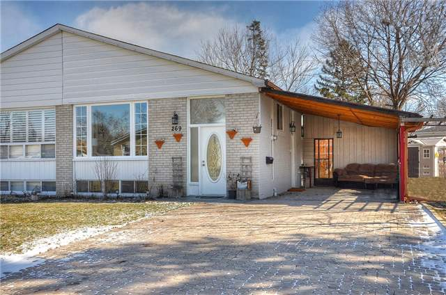 Semi-detached at 269 Mcconvey Dr, Richmond Hill, Ontario. Image 3