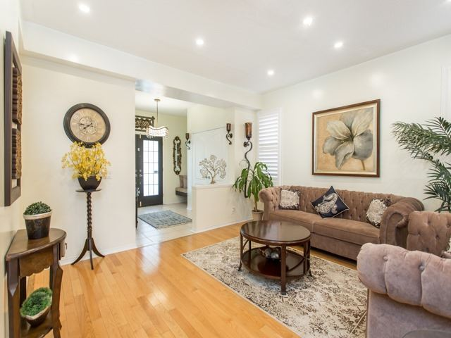 Detached at 111 Russell Jarvis Dr, Markham, Ontario. Image 15