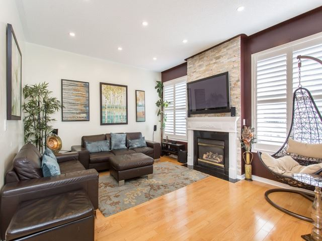 Detached at 111 Russell Jarvis Dr, Markham, Ontario. Image 17