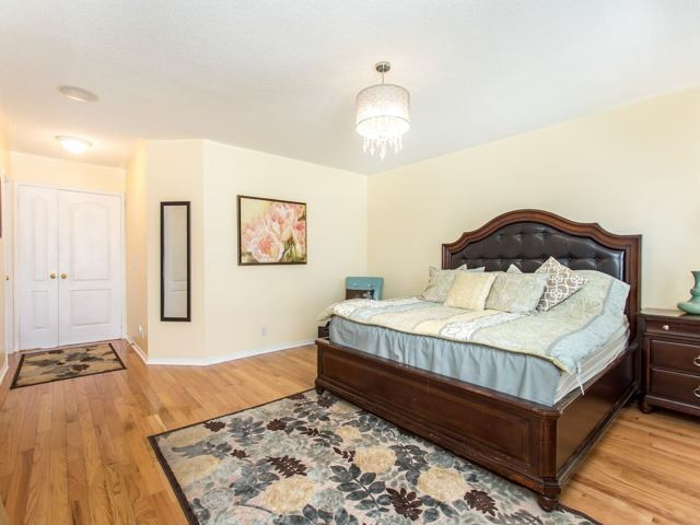 Detached at 111 Russell Jarvis Dr, Markham, Ontario. Image 2