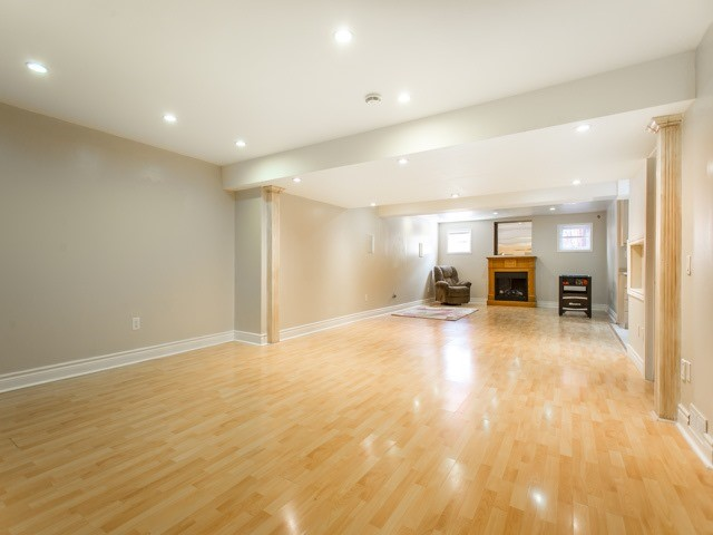 Detached at 111 Russell Jarvis Dr, Markham, Ontario. Image 8