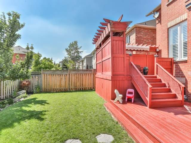 Detached at 111 Russell Jarvis Dr, Markham, Ontario. Image 11