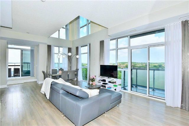 Condo Apartment at 8763 Bayview Ave, Unit 723, Richmond Hill, Ontario. Image 1