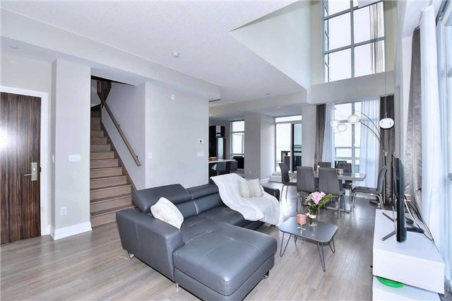 Condo Apartment at 8763 Bayview Ave, Unit 723, Richmond Hill, Ontario. Image 14